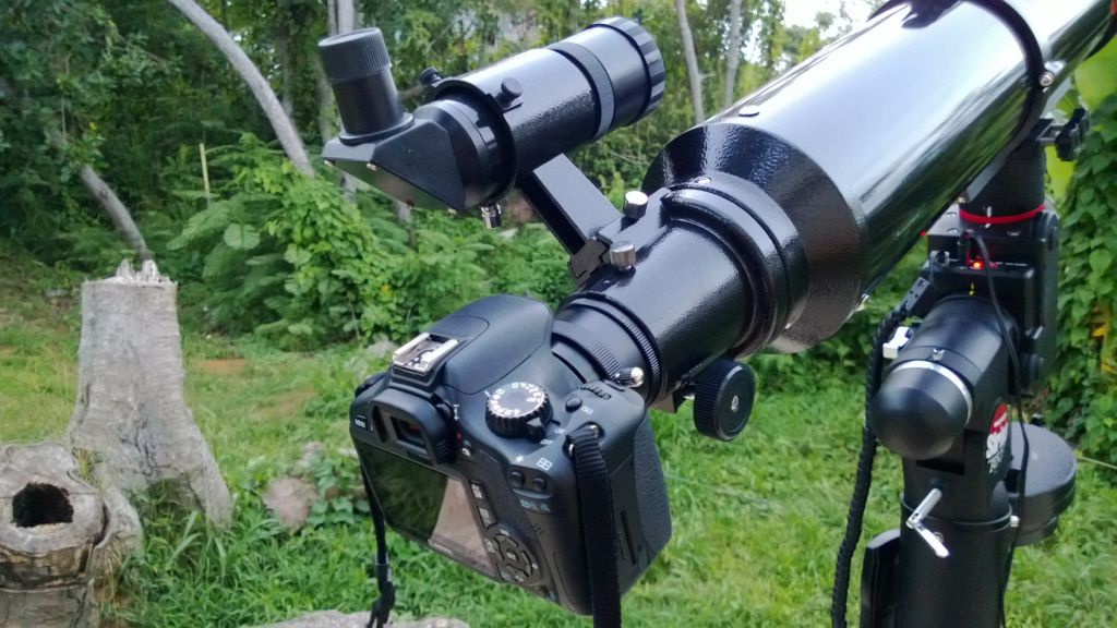 DSLR Canon EOS Rebel T2i.