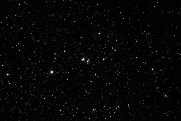 Cúmulo Abierto NGC 6871 en la constelación del Cisne