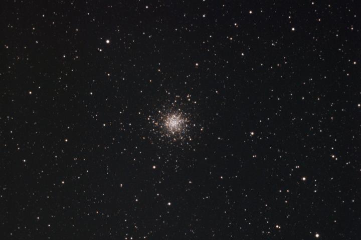 Messier 10 – Cúmulo estelar en la constelación de Ofiuco. (Crédito: Gustavo Sánchez/Captando el Cosmos)