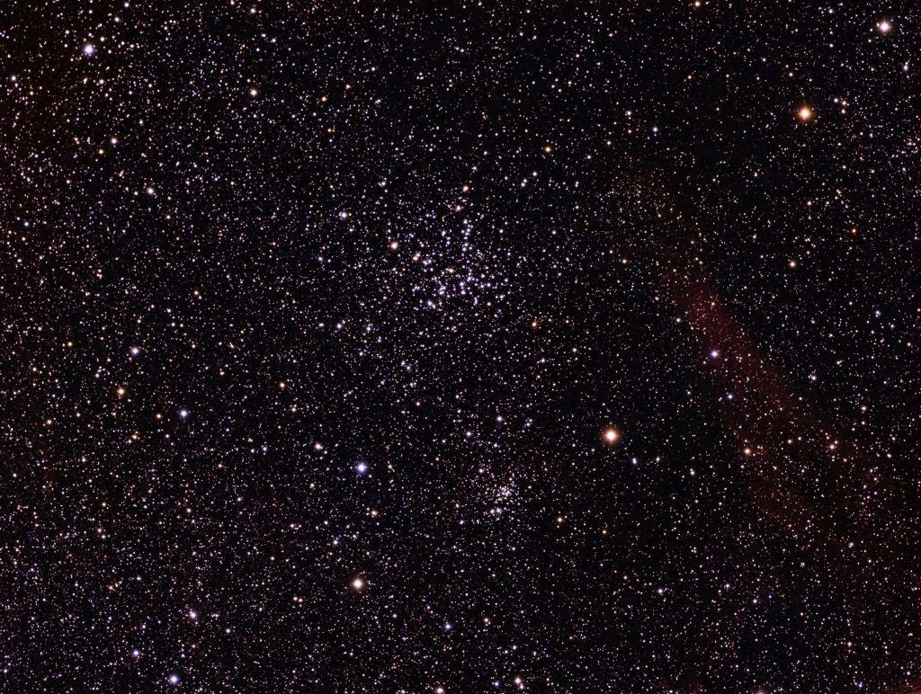 Messier 38: Cúmulo estelar abierto en la constelación de Auriga