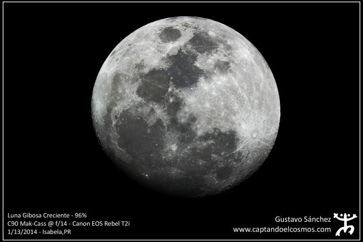 Luna Gibosa desde Isabela, PR