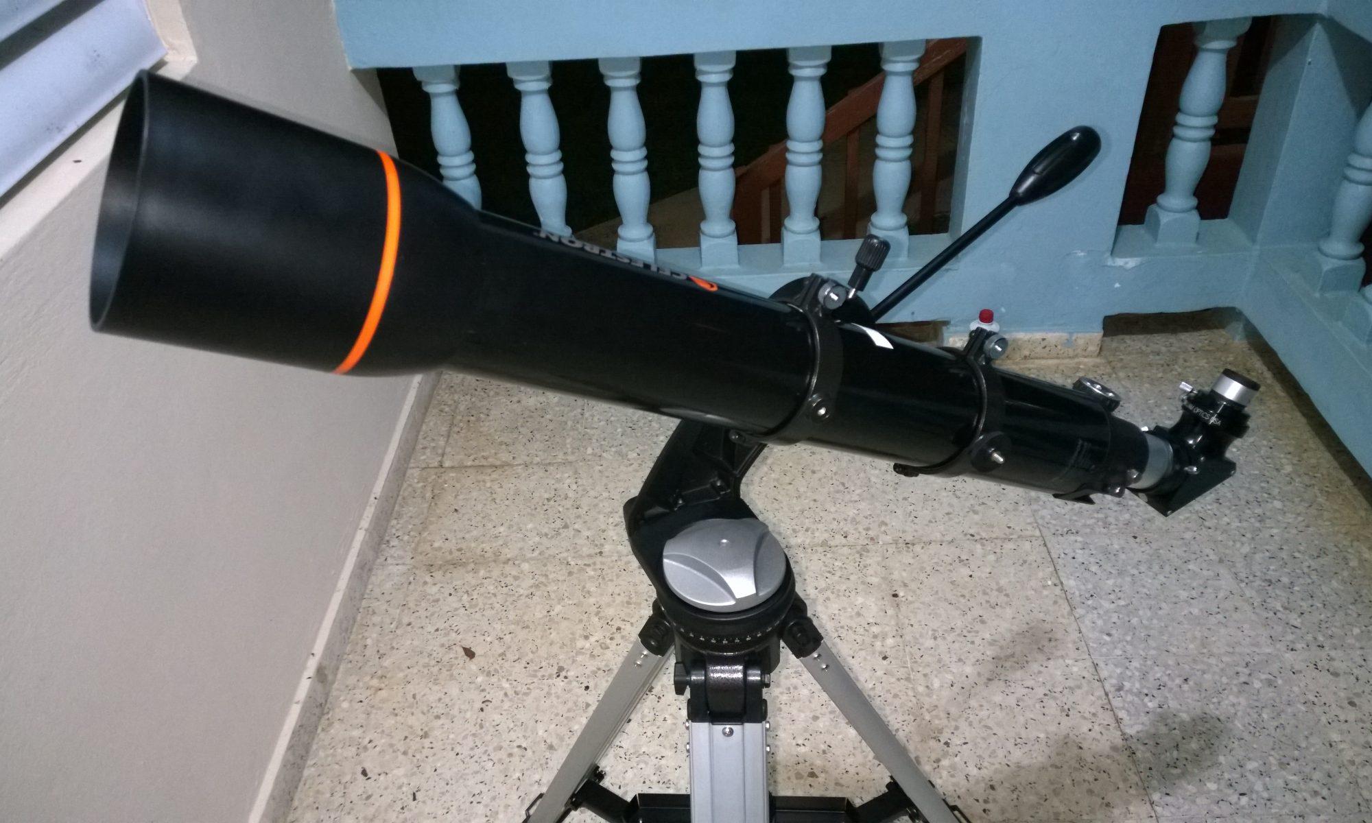 Telescopio Celestron 102GT.