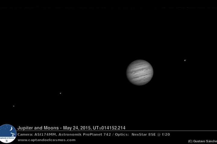 Júpiter y sus lunas. Izquierda a derecha: Europa, Io, Júpiter, Ganímedes. Crédito: Gustavo Sánchez/Captando el Cosmos