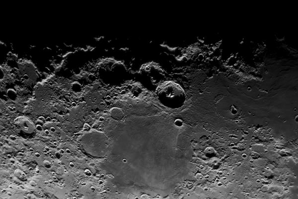 Imagen de las coordenadas 15 grados S, 30 grados E de la superficie de la luna. Crédito: Gustavo Sánchez/Captando el Cosmos.