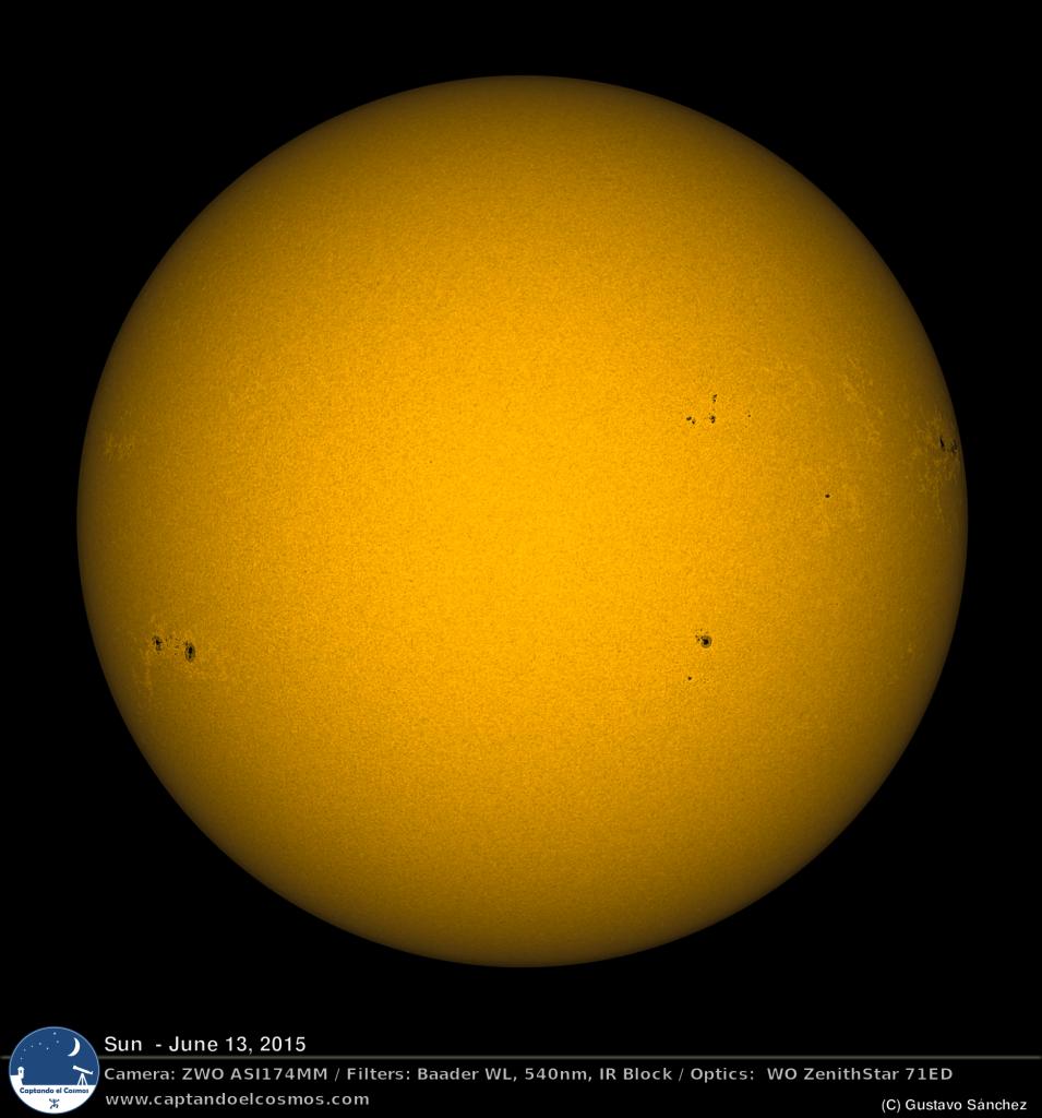 """Disco solar visto a través de un filtro de 540nm, en versión monocromática con un color estéticamente más """"normal"""". Crédito: Gustavo Sánchez/Captando el Cosmos"""
