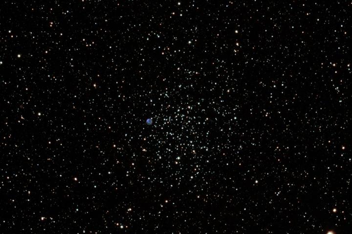 Messier 46, un cúmulo estelar abierto en la constelación de Puppis